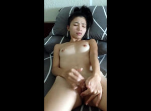Wee Vietnamese young lady jerking for..